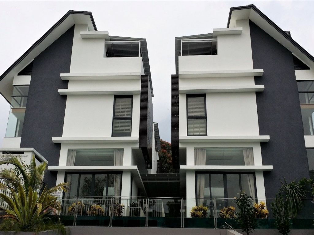 4-modern-cluster-bungalows-in-bukit-timah-with-pool