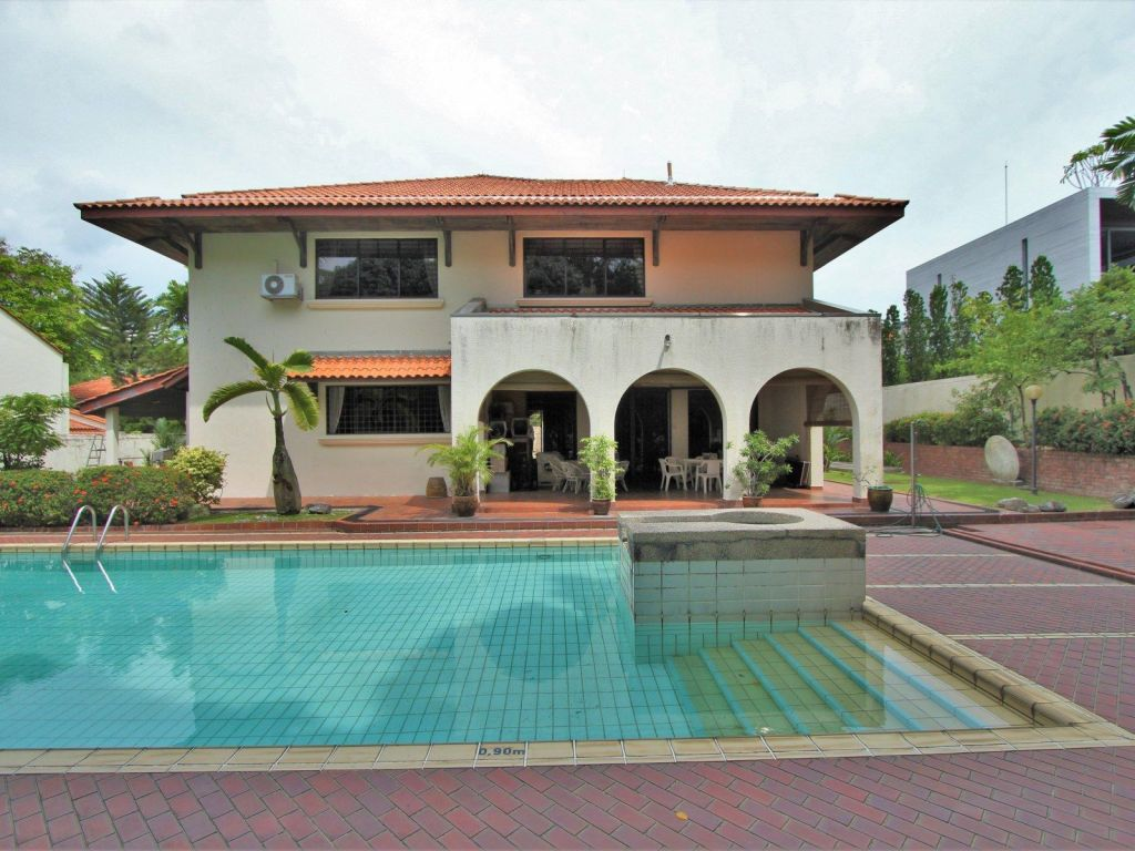 good-class-bungalow-at-mount-echo-park-for-sale