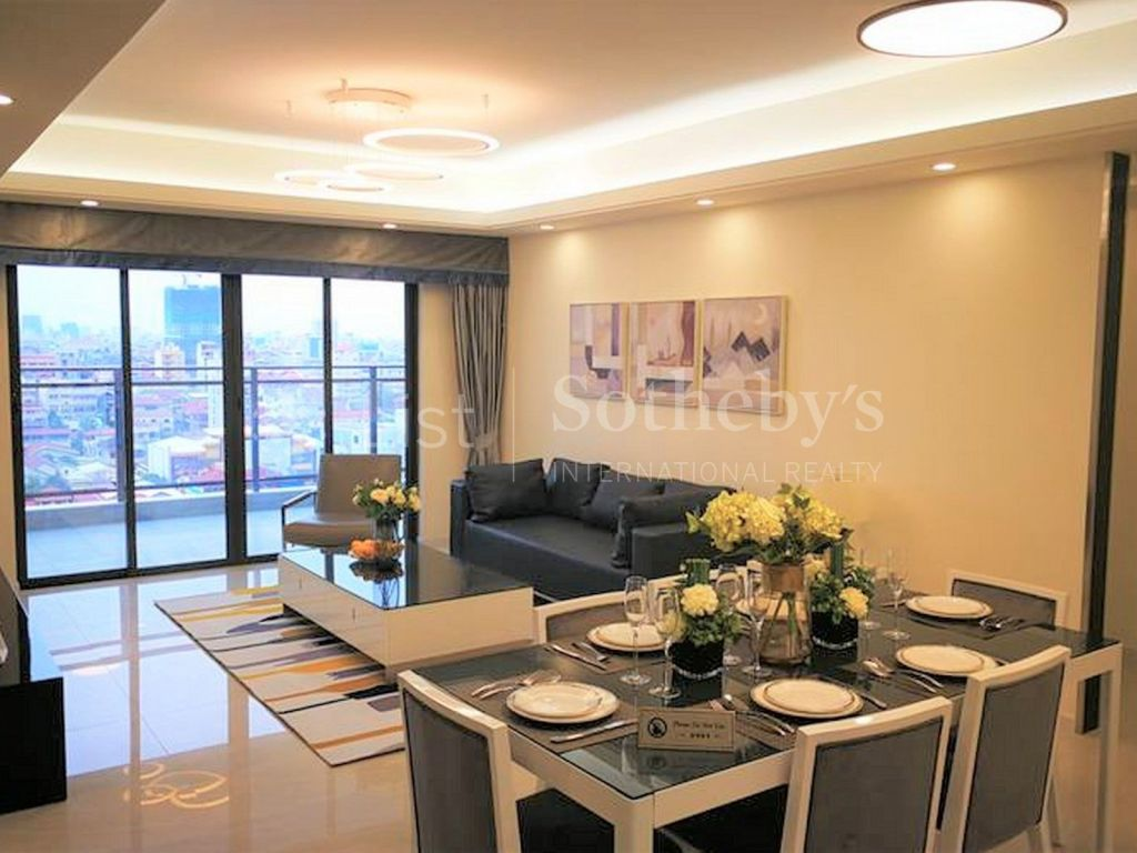 rare-spacious-penthouse-in-the-heart-of-phnom-penh-city