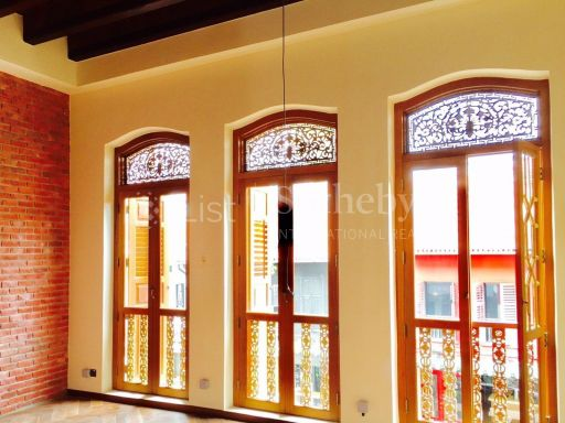 cbd-well-renovated-3-storey-conserved-shophouse 2