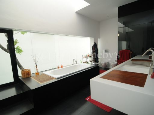 black-and-white-style-bungalow-for-sale 4