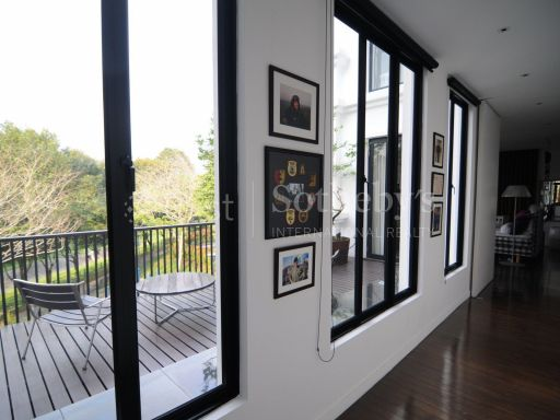 black-and-white-style-bungalow-for-sale 7