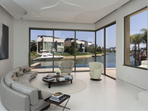 sentosa-cove-waterfront-villa 1