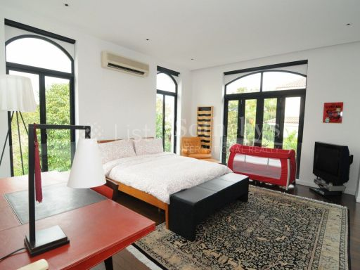 black-and-white-style-bungalow-for-sale 11