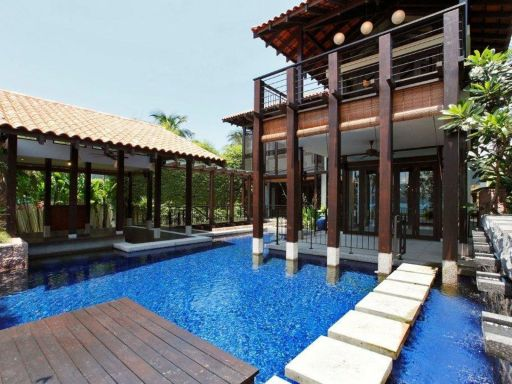 seafront-bungalow-sentosa-cove 1