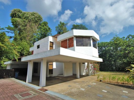 tanglin-hill-good-class-bungalow 1