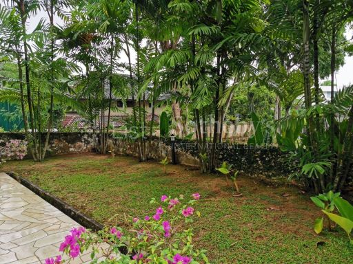 good-class-bungalow-at-oei-tiong-ham-park 5