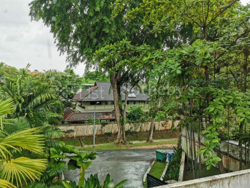 good-class-bungalow-at-oei-tiong-ham-park 6