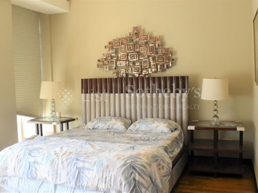 4-deluxe-bedroom-at-orchard-scotts 8