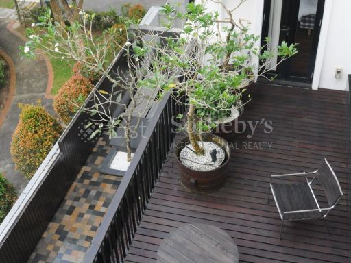 black-and-white-style-bungalow-for-sale 12