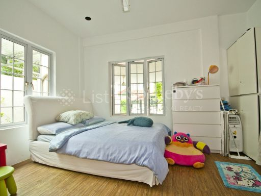 lovely-cottage-style-semi-detached-at-serangoon-gardens 10