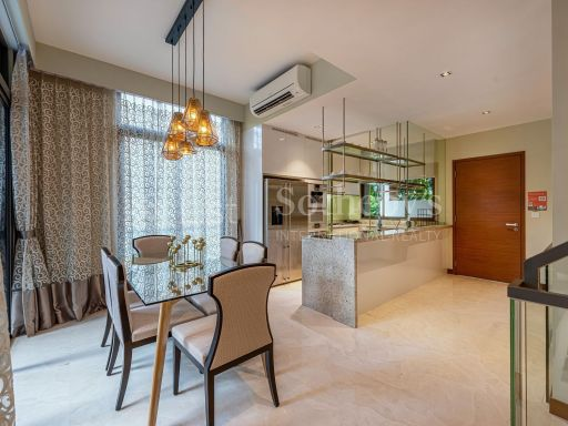 modern-townhouse-at-west-coast-crescent 3
