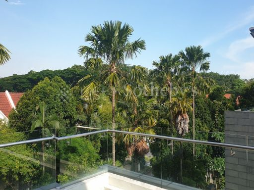 freehold-modern-cluster-bungalow-in-lynwood-grove-with-pool 12