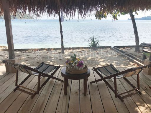 private-oceanfront-peninsular-for-sale-in-south-west-lombok 2