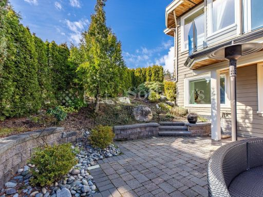 beautiful-ocean-and-mountain-view-property-in-south-surrey-bc-ca 20