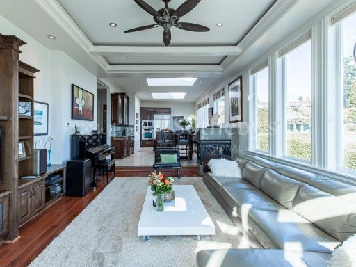beautiful-ocean-and-mountain-view-property-in-south-surrey-bc-ca 3