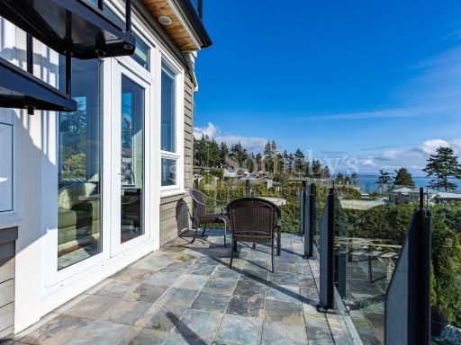 beautiful-ocean-and-mountain-view-property-in-south-surrey-bc-ca 21