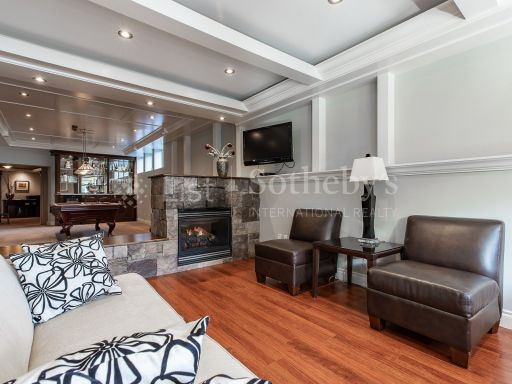 beautiful-ocean-and-mountain-view-property-in-south-surrey-bc-ca 12