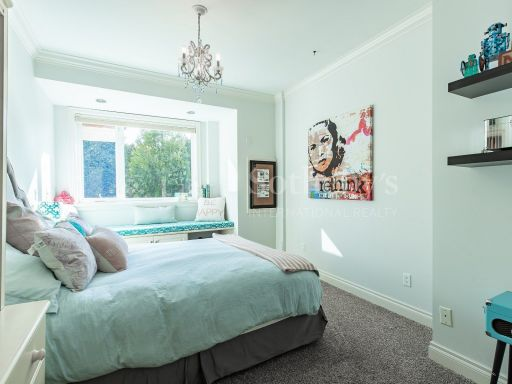 beautiful-ocean-and-mountain-view-property-in-south-surrey-bc-ca 7