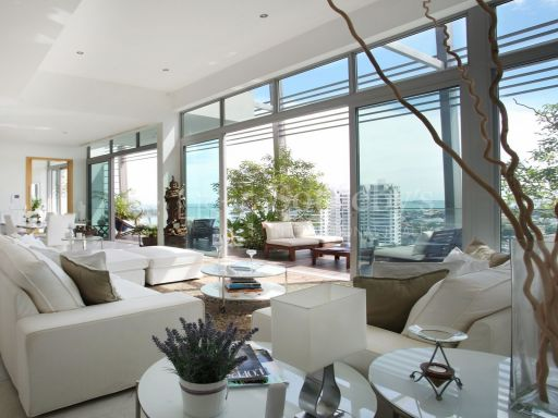 the-oceanfront-penthouse-with-stunning-views 3