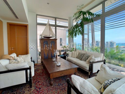 the-oceanfront-penthouse-with-stunning-views 5