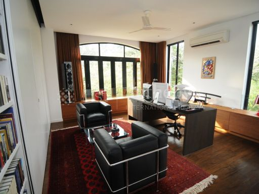 black-and-white-style-bungalow-for-sale 3