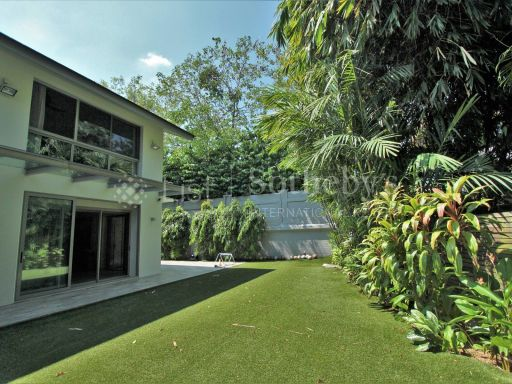 tranquil-home-at-oei-tiong-ham-park 17