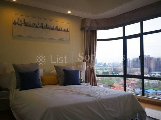 rare-spacious-penthouse-in-the-heart-of-phnom-penh-city 5
