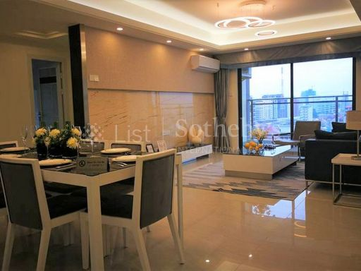 rare-spacious-penthouse-in-the-heart-of-phnom-penh-city 2
