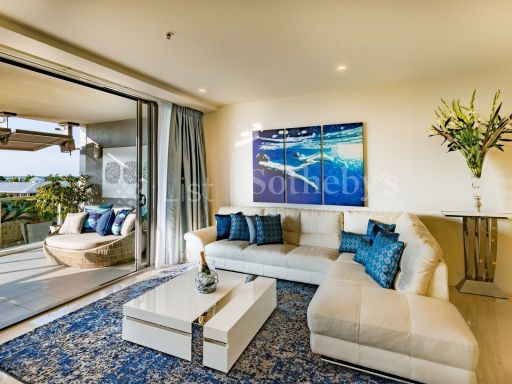 luxurious-absolute-waterfront-apartment 4