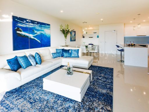 luxurious-absolute-waterfront-apartment 2