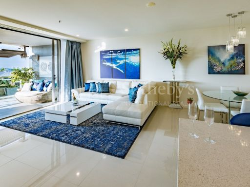 luxurious-absolute-waterfront-apartment 3