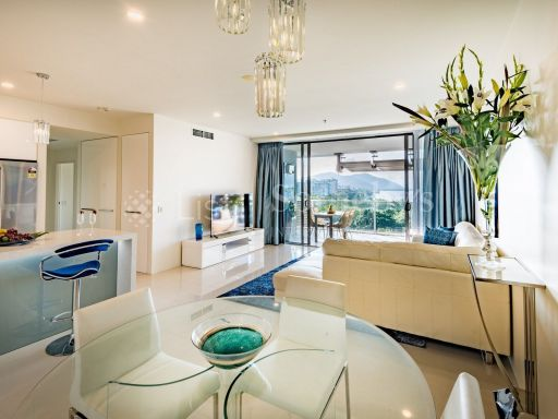 luxurious-absolute-waterfront-apartment 6