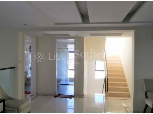 rare-spacious-penthouse-in-the-heart-of-phnom-penh-city 6