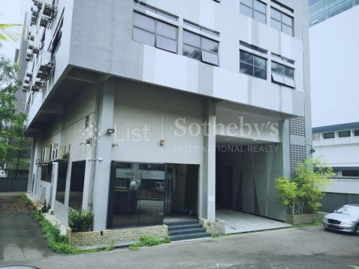 commercial-industrial-building-for-sale-on-alexandra-terrace 11