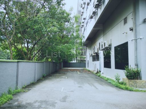 commercial-industrial-building-for-sale-on-alexandra-terrace 15