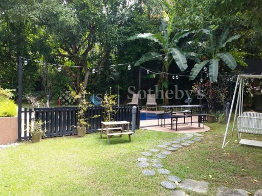 good-class-bungalow-in-district-10 6