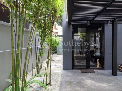 black-and-white-style-bungalow-for-sale 15