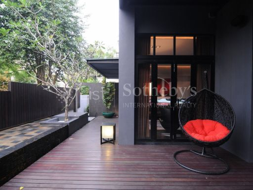 black-and-white-style-bungalow-for-sale 16